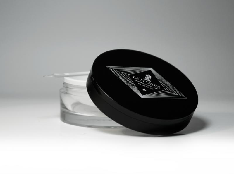 le manoir. Black Bedroom Furniture Sets. Home Design Ideas