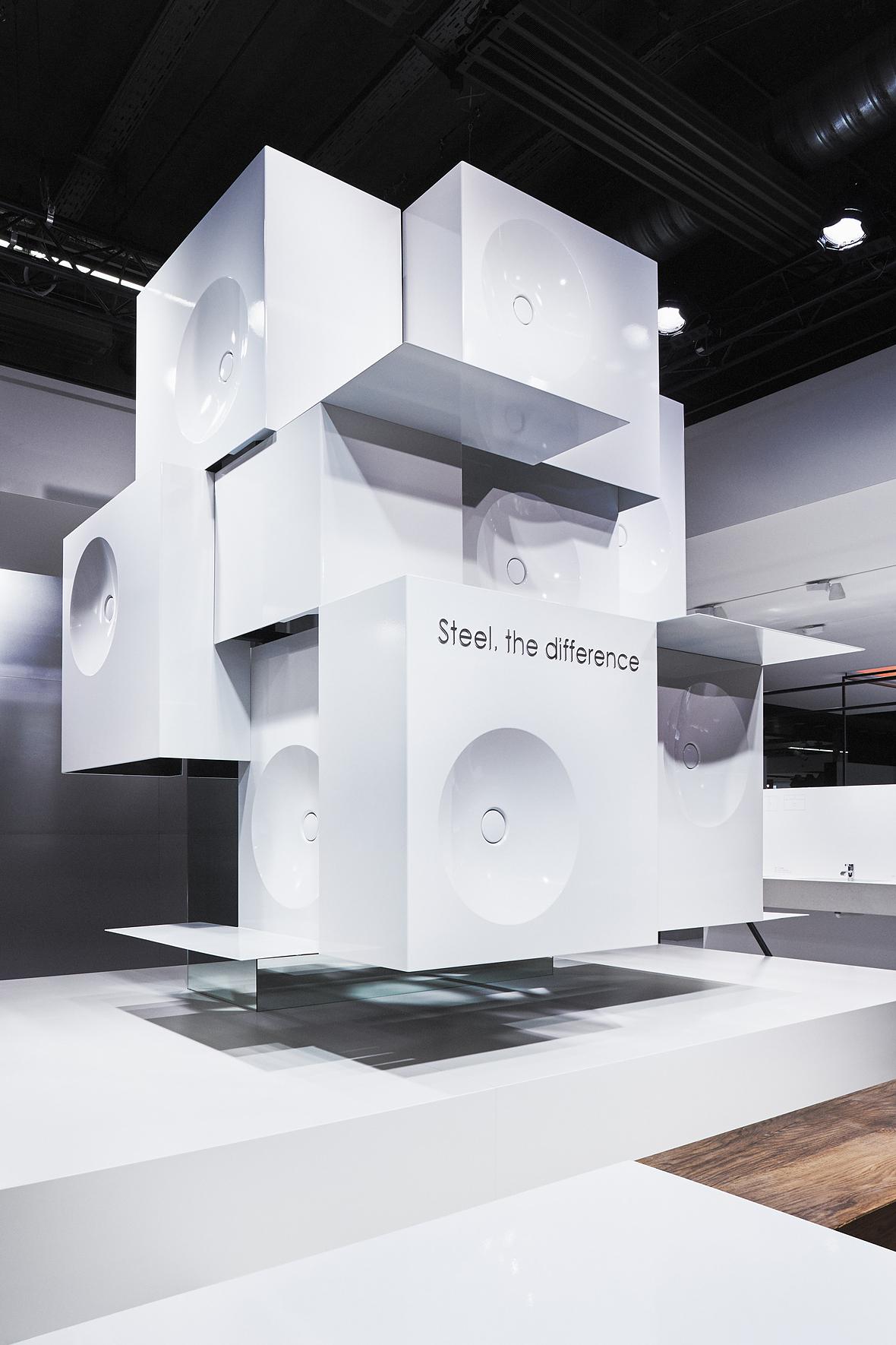 filigran und schwebend messestand f r alape. Black Bedroom Furniture Sets. Home Design Ideas