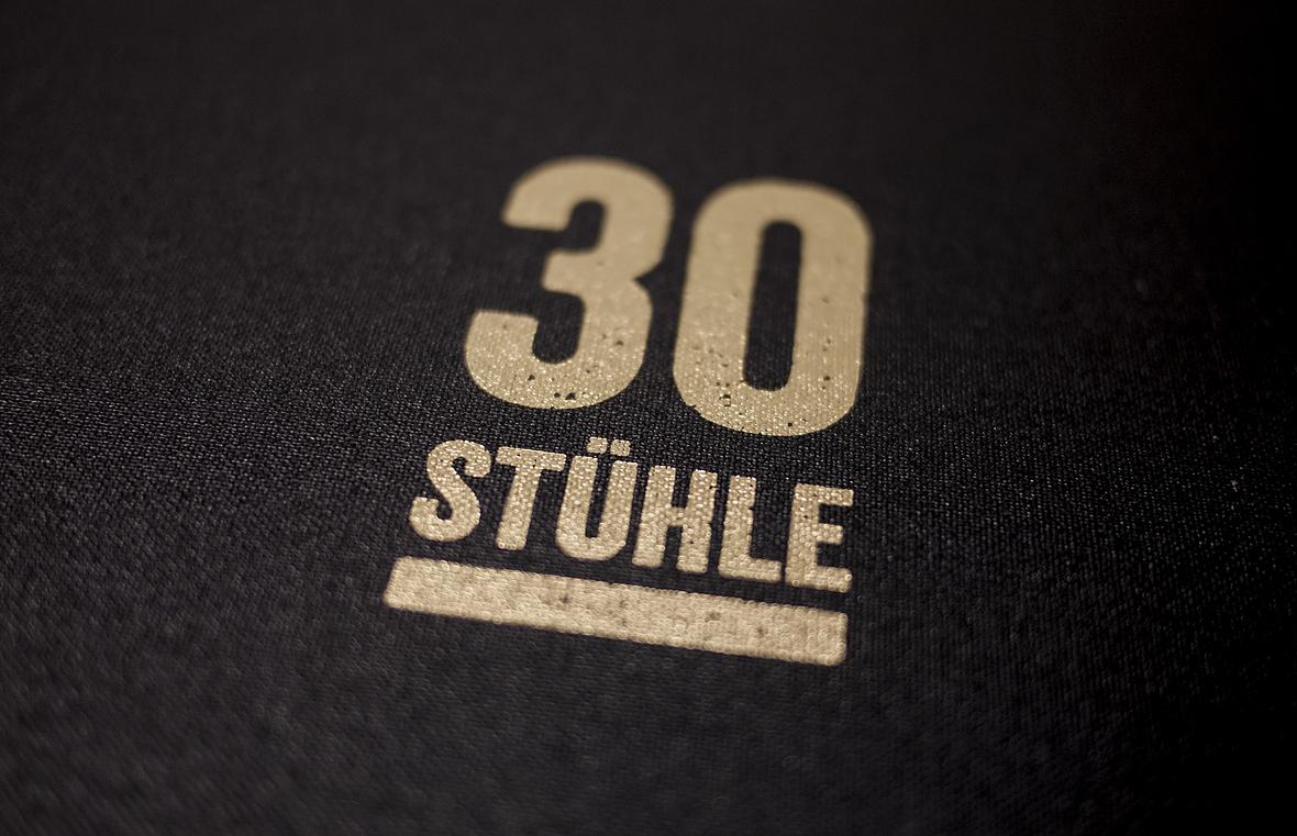 30 Stühle