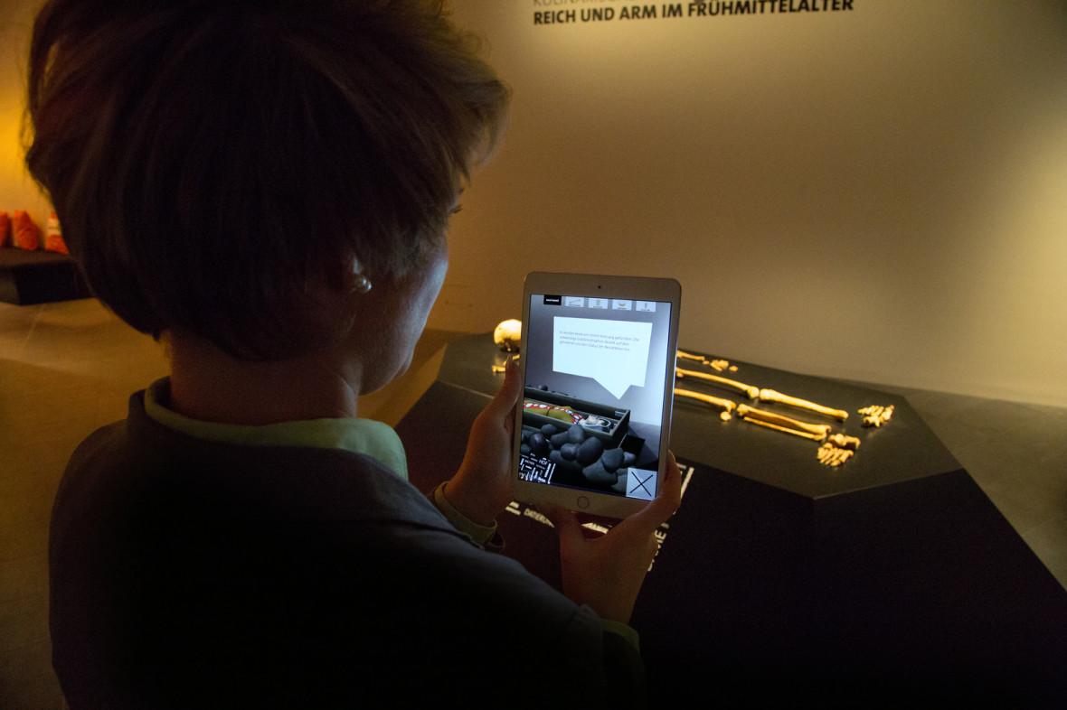 sprechende knochen centre charlemagne neues stadtmuseum der stadt aachen. Black Bedroom Furniture Sets. Home Design Ideas