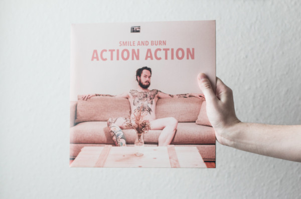 Smile and Burn – Action Action (4)