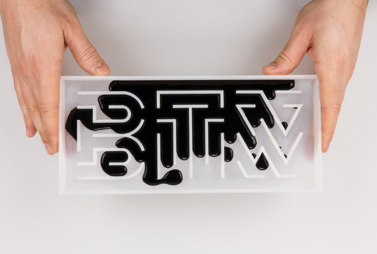 By the way – Typografie und Materialität