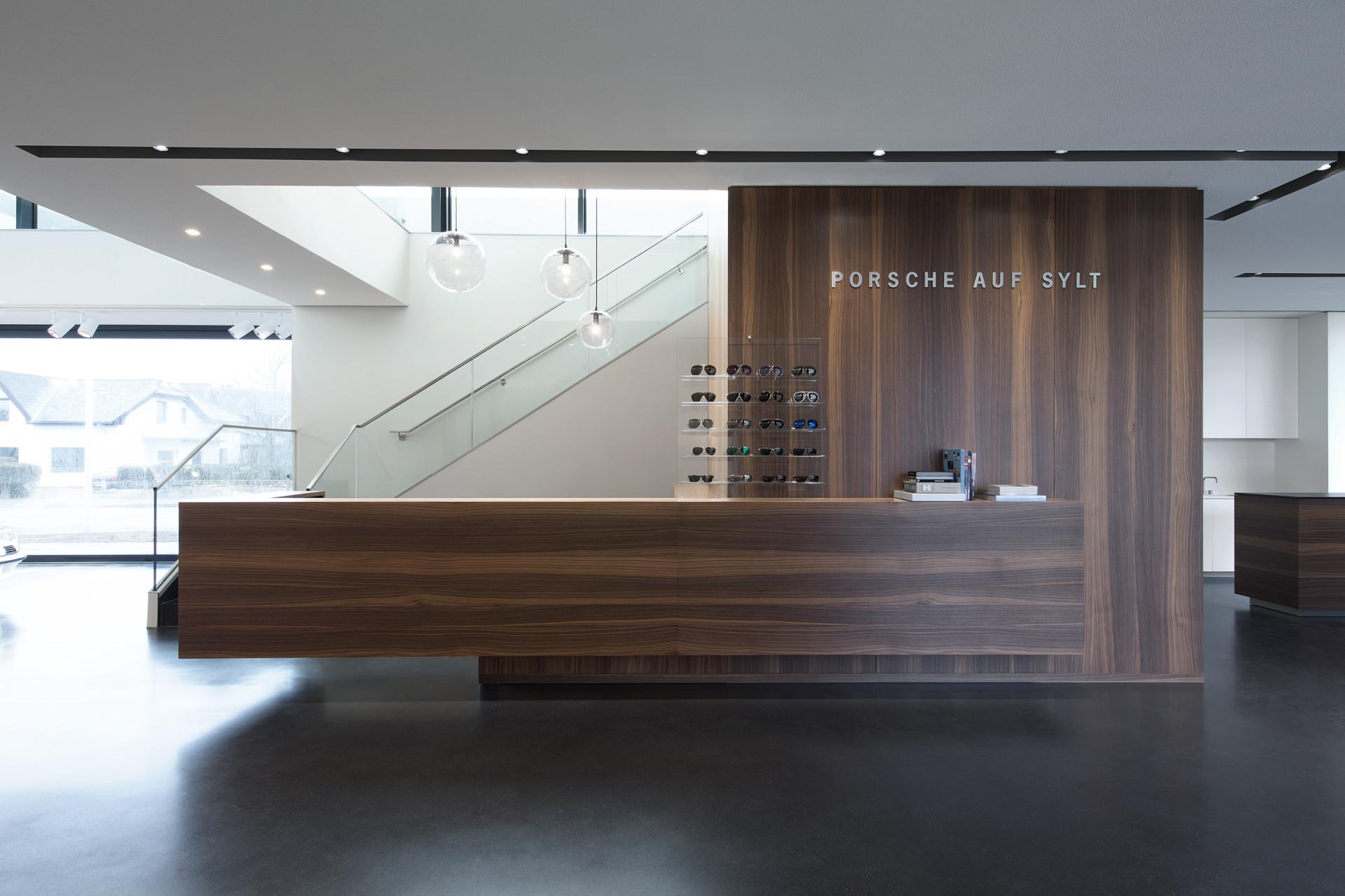porsche auf sylt – innenarchitektur, corporate design, inszenierung, Innenarchitektur ideen